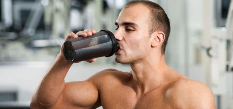 ¿Cuánto músculo puede ganar un levantador de pesas novato?
