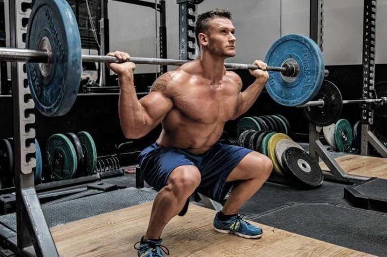¿es necesario levantar cargas muy pesadas para ganar fuerza?