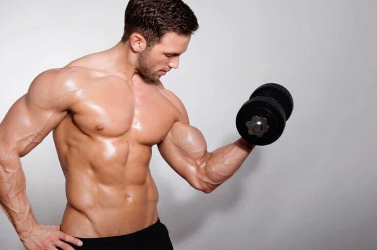 3 razones por las cuales tus bíceps no son tan grandes como quisieras