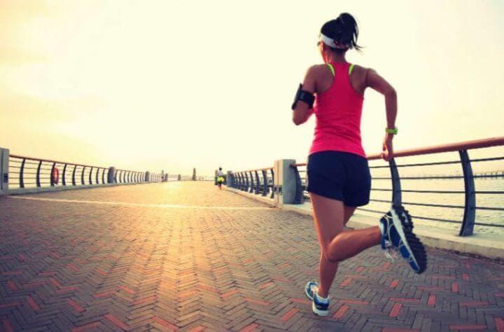 Beneficios de correr con shorts holgados
