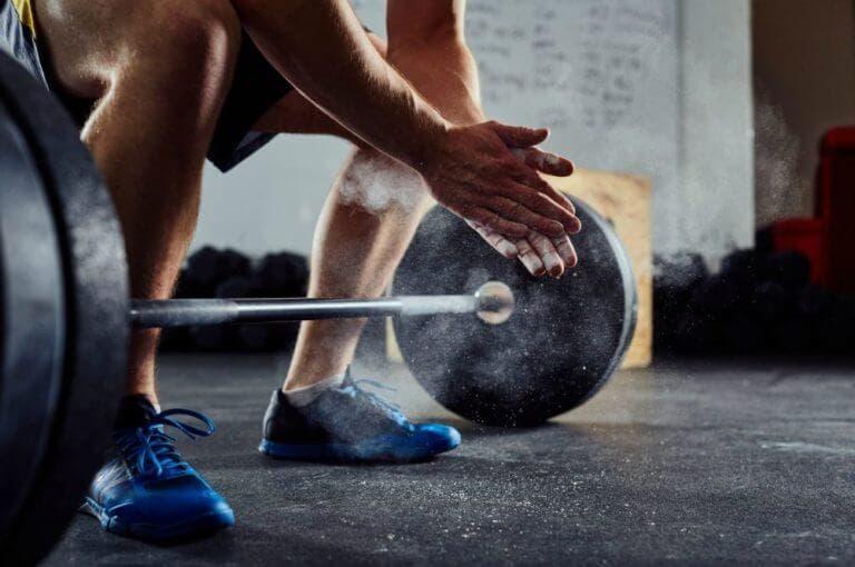 Cómo ganar más confianza al entrenar en una sala de pesas