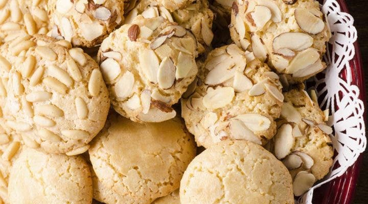 Receta de galletas con limón y almendras