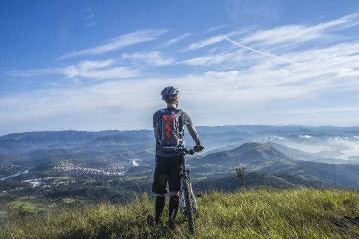 Tomar suplementos de hierro para practicar ciclismo en altitud