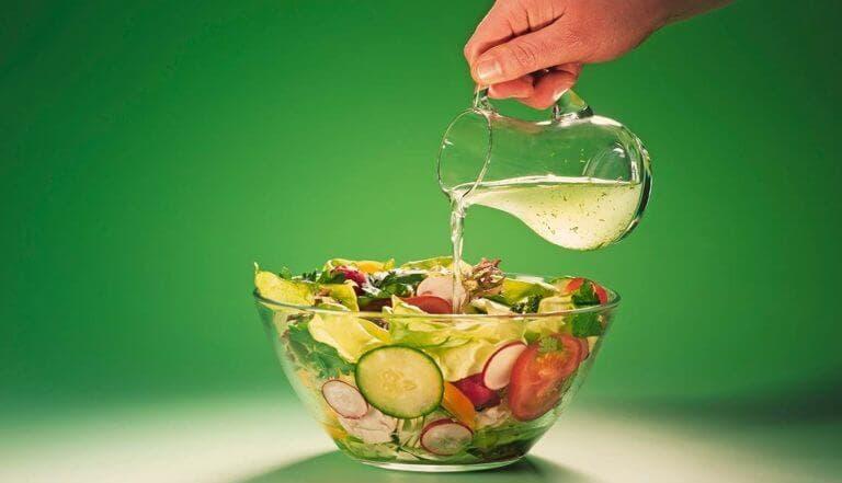 Cómo hacer una ensalada cetogénica