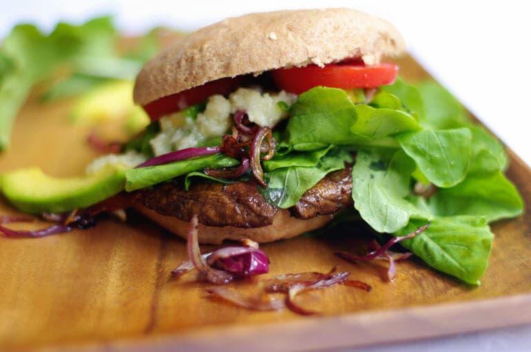 Cómo hacer hamburguesas de Portobello a la parrilla