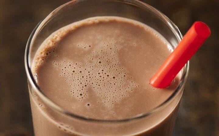 Tomar chocolate con leche después del entrenamiento de running