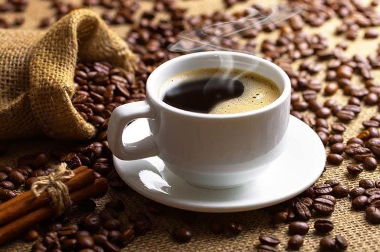 5 efectos sorprendentes que provoca la primera taza de café del día a tu cerebro