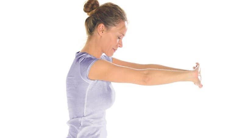 Estiramientos para unos hombros agarrotados