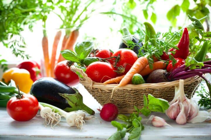 ¿Qué nutrientes no puedes obtener de las verduras y vegetales?