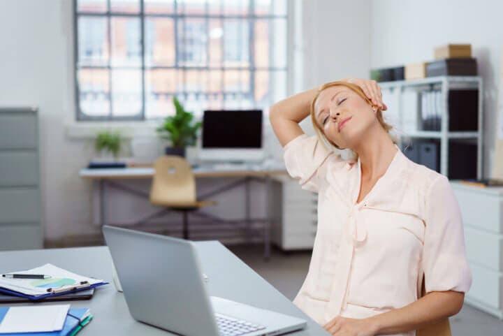 Consejos para corregir una mala postura corporal