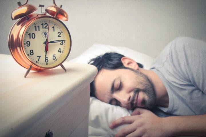 cuántas horas hay que dormir