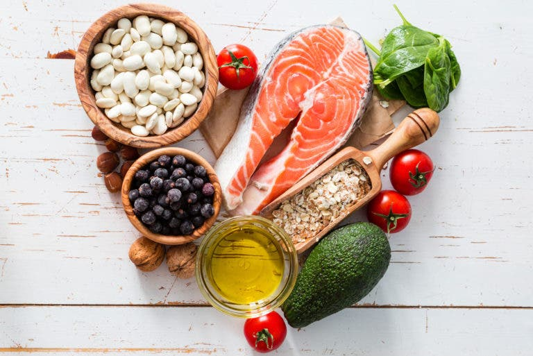 Cómo adherirse a una dieta saludable