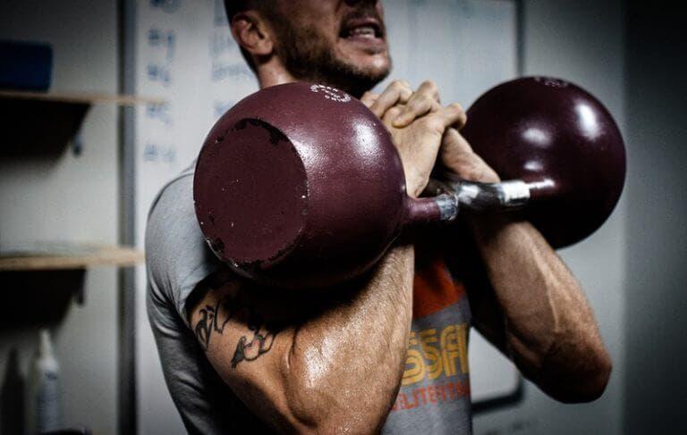 Formas correctas de hacer ejercicio con Errores comunes al entrenar con kettlebell