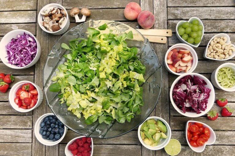 Mejores ingredientes para añadir a las ensaladas saludables