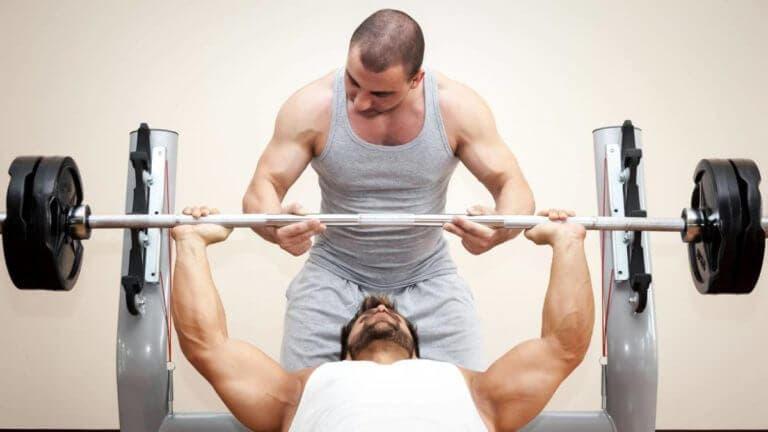 Entrenamiento de clusters para ganar fuerza y músculo