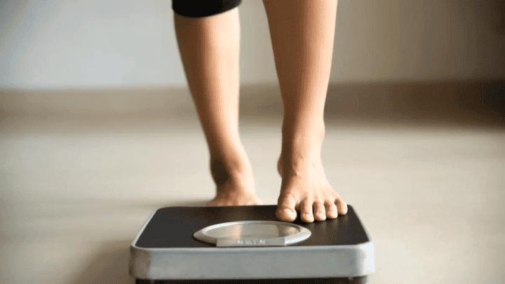 ¿Cuánto peso se pierde caminando 10.000 pasos?