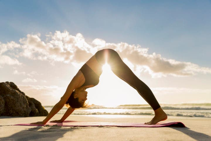 Ejercicios de yoga relajantes para una recuperación muscular