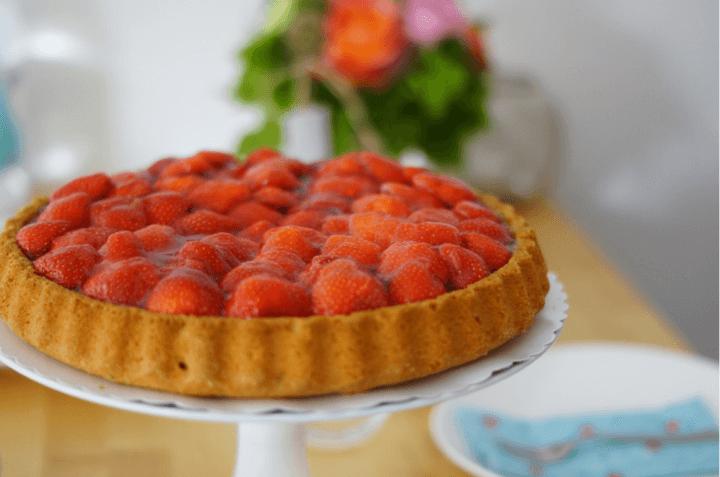 Decorar tu tarta con ingredientes sanos como frutas