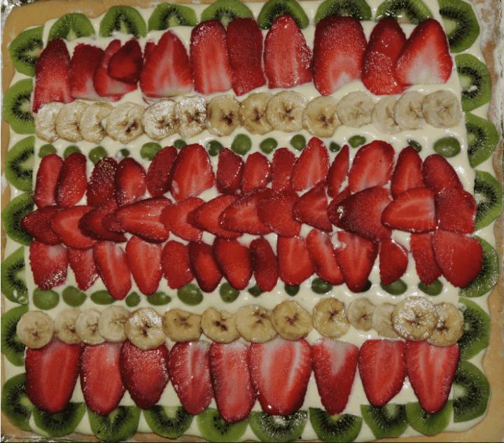 Tarta de solo fruta deliciosa y nutritiva