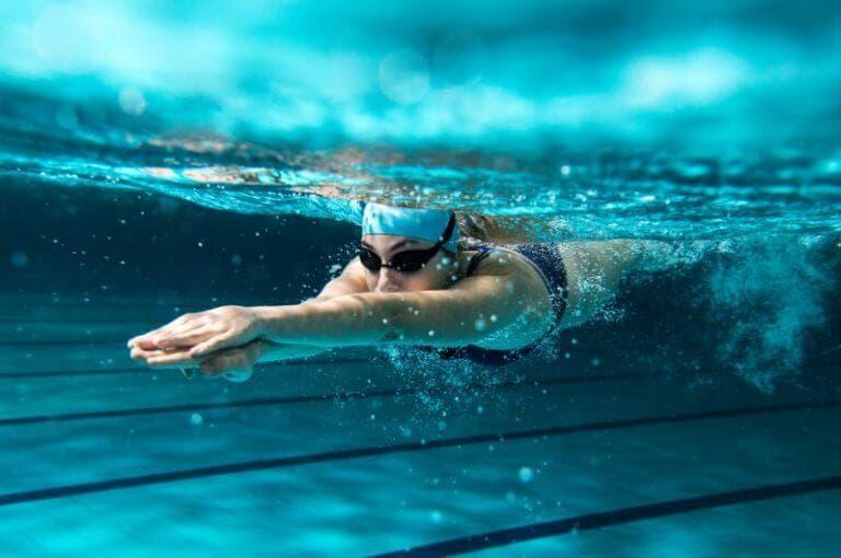 5 ejercicios para ganar fuerza en tus entrenamientos de natación