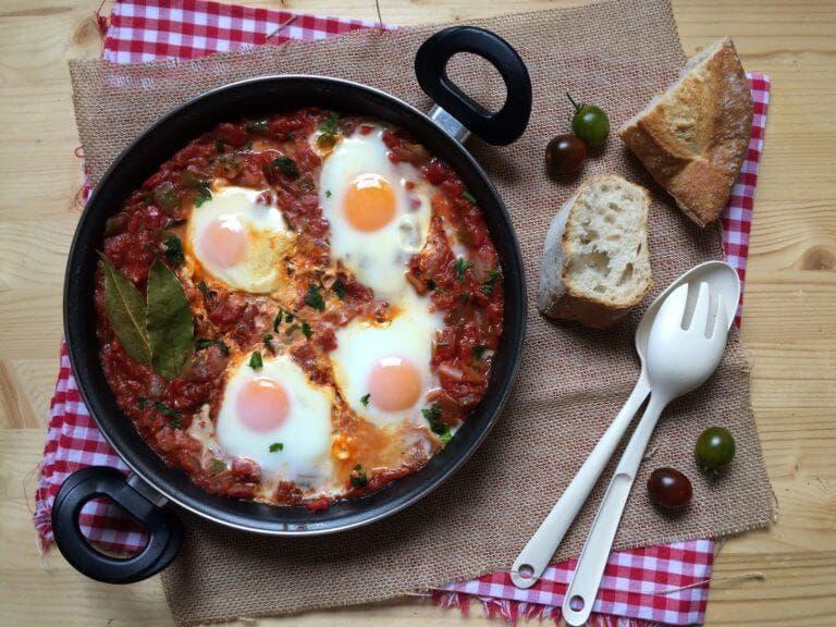 Consejos para preparar desayunos proteicos con shaksukha