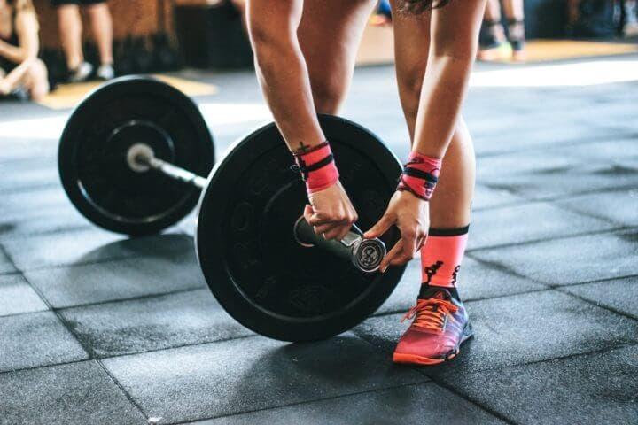 Entrenar los mismos músculos siempre aumenta el riesgo de lesión
