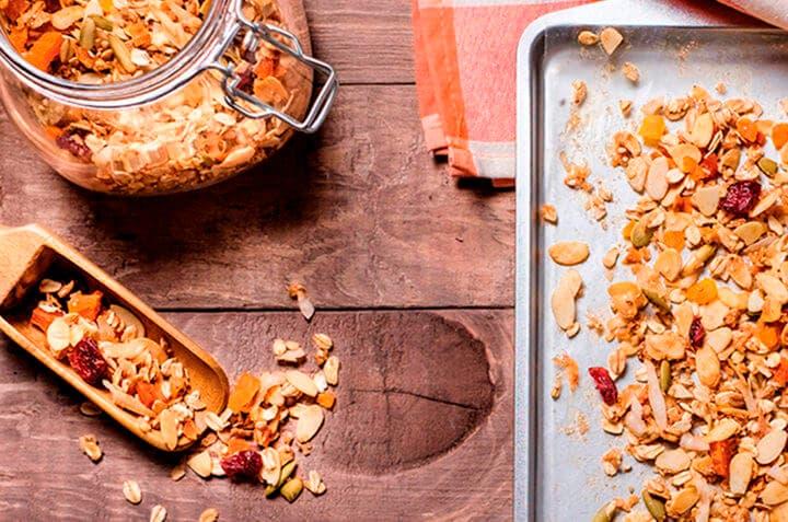 ¿Cómo preparar granola casera para parar antojos de azúcar?
