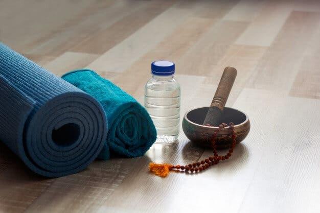 ¿Cómo evitar deslizarte en el hot yoga?