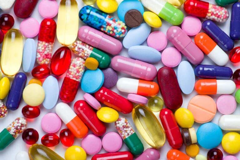 ¿Qué son las vitaminas y suplementos?