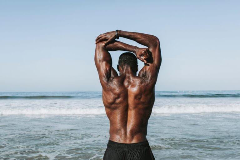 Cómo desarrollar una espalda superior fuerte