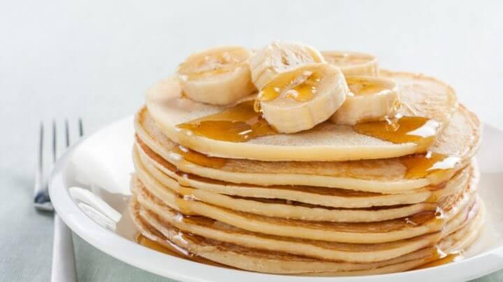 ¿Cómo hacer tortitas de avena y banana?