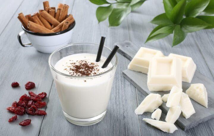 ¿El yogurt natural como snack disminuye el antojo de azúcar?