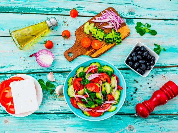 Ideas para hacer ensaladas y bajar con seguridad de peso