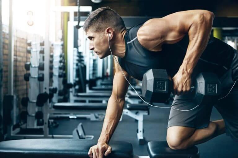 ejercicios de tríceps que son una pérdida de tiempo