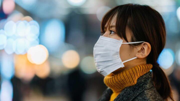 Cómo protegerte si viajas durante el brote de Coronavirus