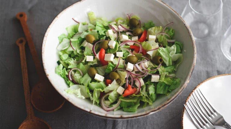 Cómo hacer la mejor ensalada para perder peso