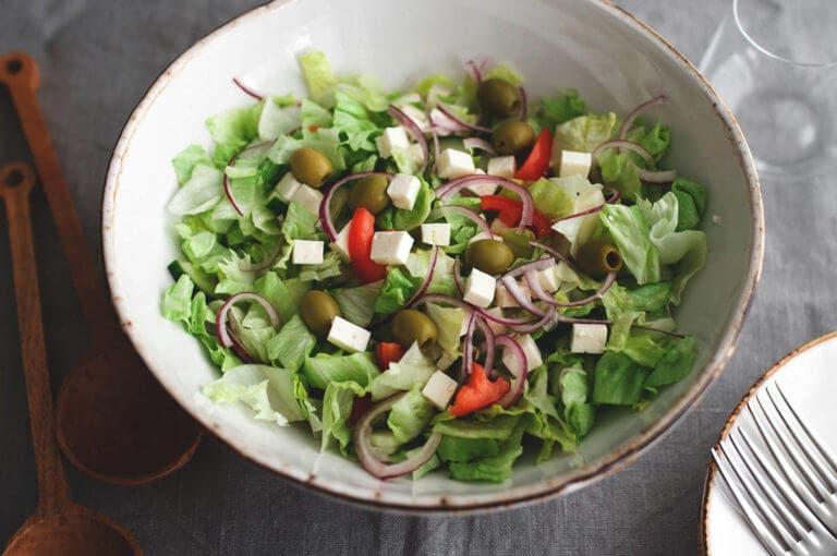 Cómo crear la ensalada perfecta para perder peso