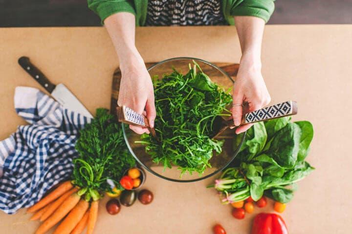 Tipos de ensaladas saludables para adelgazar más rápido
