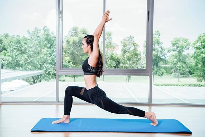 Las mejores poses de yoga para ejecutar en casa