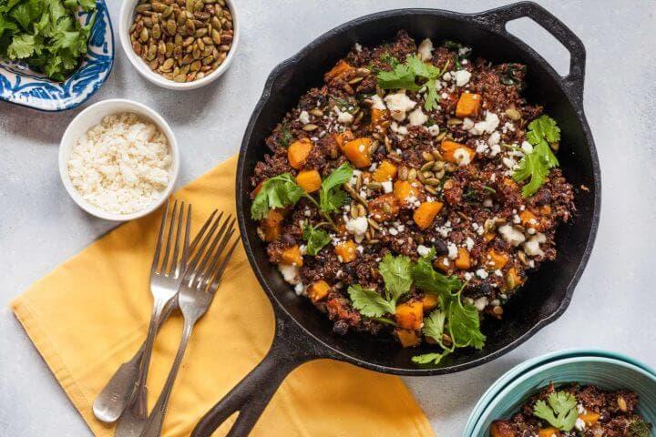 ¿Cómo preparar chile vegetariano con judías como ingrediente base?