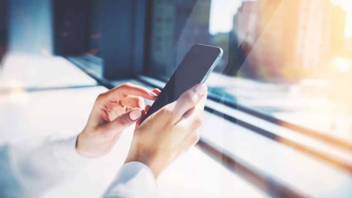 ¿Cómo desinfectar tu teléfono móvil?