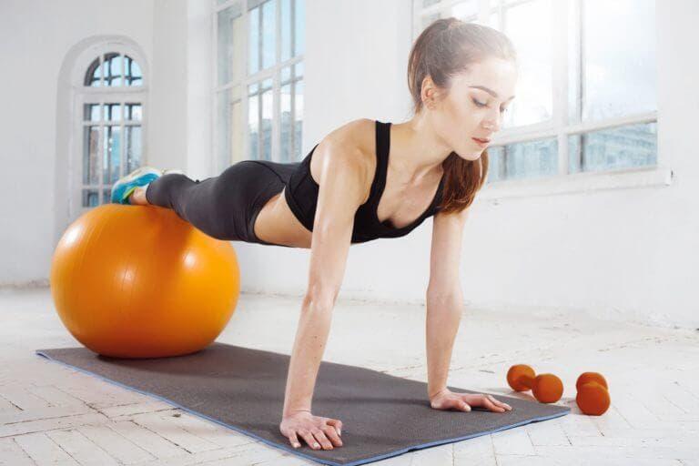 Mejores ejercicios con balón de estabilidad