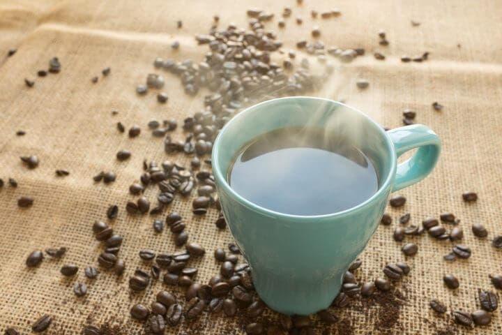 Efectos en tu cuerpo de beber café solo diariamente