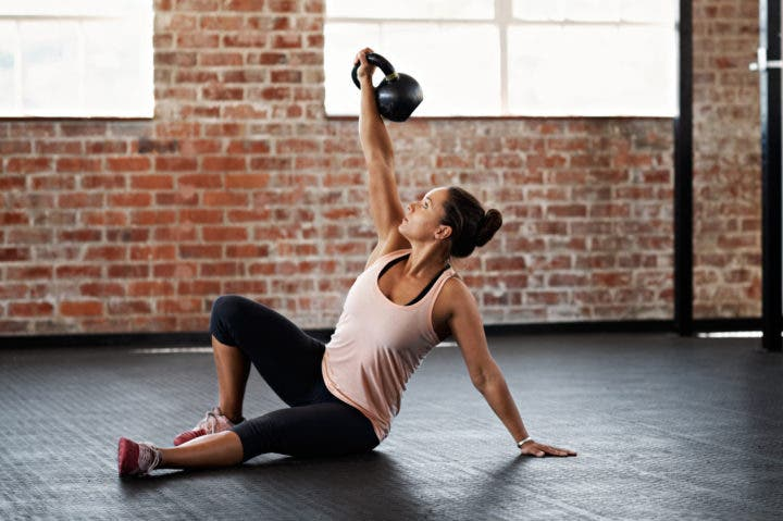 Circuito de entrenamiento funcional con peso corporal