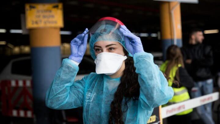 Por qué algunos países obligan a llevar mascarilla y otros no