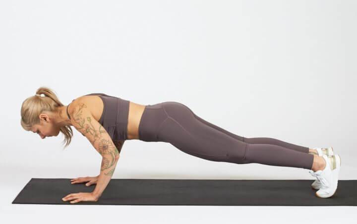 ¿Cuál es la técnica correcta para hacer flexiones?