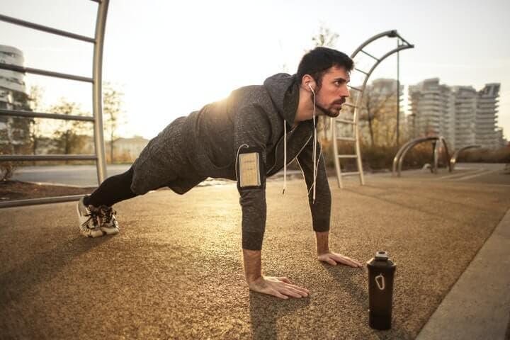 Ejercicios para hacer una rutina de CrossFit en casa