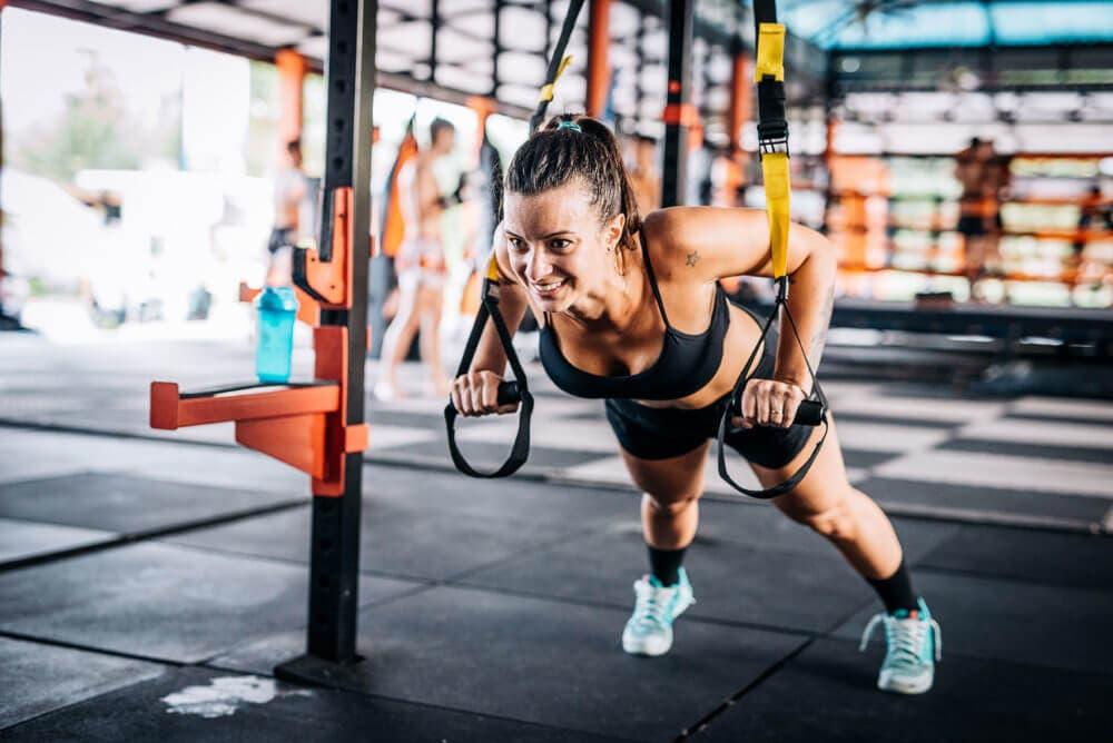 8 ejercicios con TRX fáciles de hacer