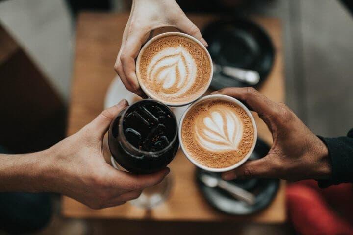 Beber café no es recomendable durante el embarazo