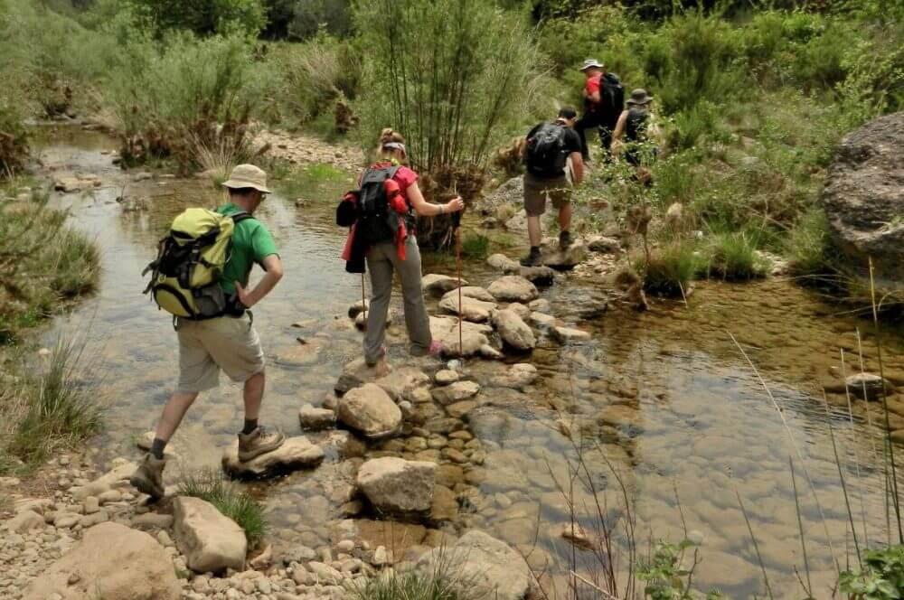 ¿Cuáles son los beneficios más resaltantes de practicar senderismo?